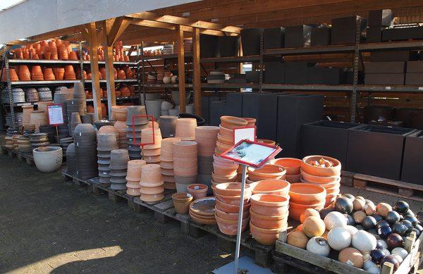 Gartengeräte und Zubehör aus der Mühle Dickmann in Duisburg-Walsum